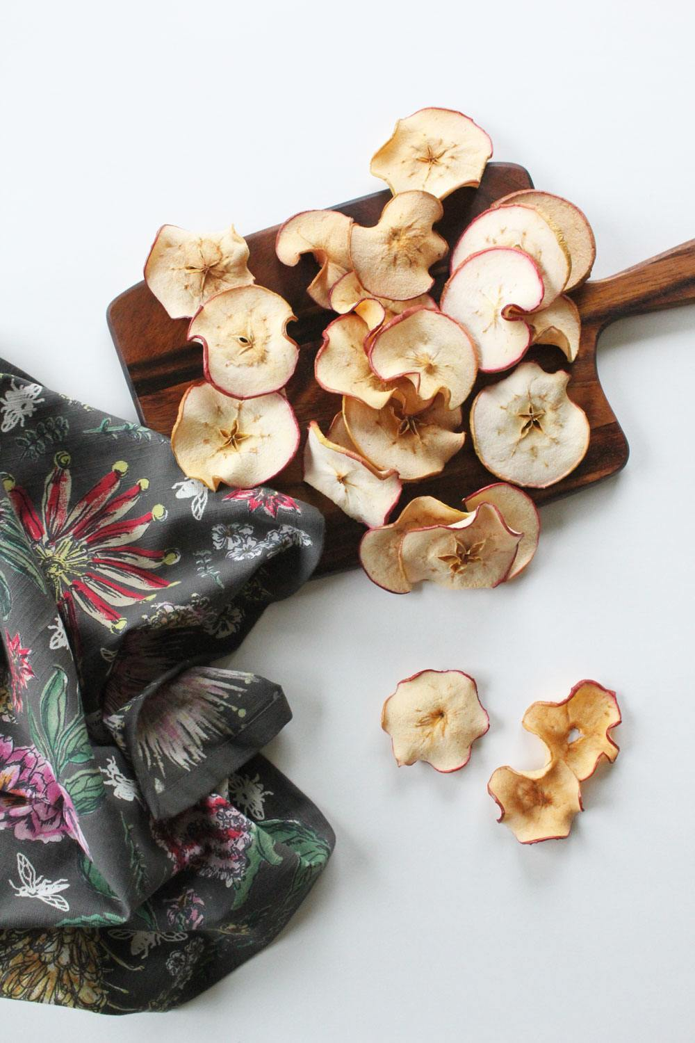 Recipe: Oven-Dried Cinnamon Apple Chips | PainDoctor.com