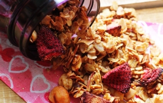 Recipe: Dried Strawberry Coconut Oil Granola | PainDoctor.com