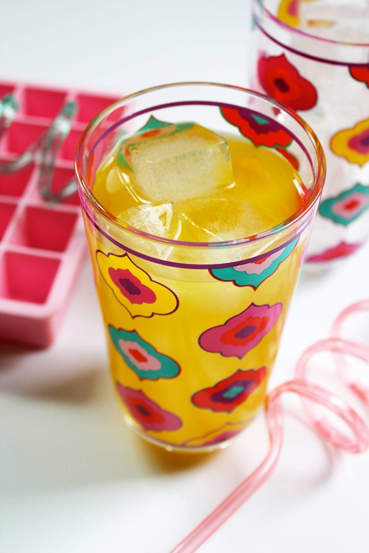 Recipe: Pineapple-Turmeric Infused Water | PainDoctor.com