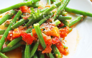Green Beans Recipe With Spicy Red Sauce | PainDoctor.com