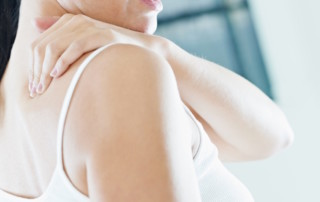 What Is Frozen Shoulder Syndrome? | PainDoctor.com