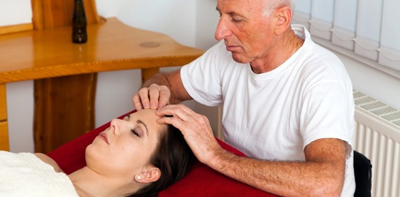 Chiropractic Vs. Physical Therapy, Massage, And Reiki | PainDoctor.com
