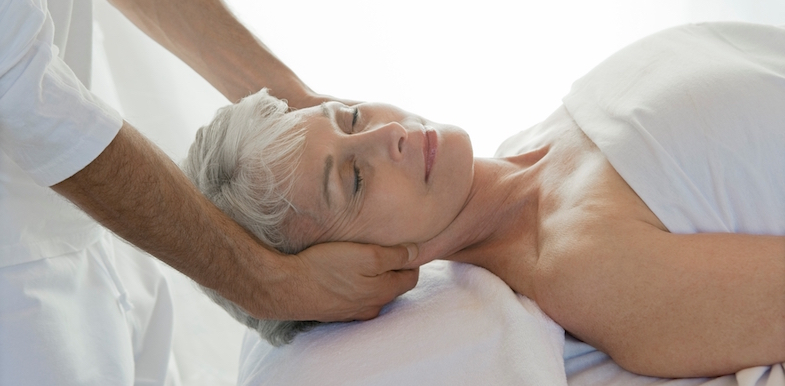 Chiropractic Vs. Physical Therapy, Massage, And Reiki   PainDoctor.com
