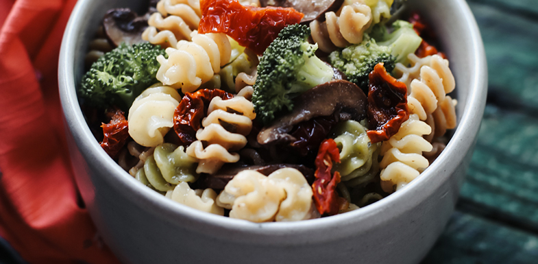 Lemon And Broccoli Pasta With Sundried Tomatoes and Mushrooms | PainDoctor.com