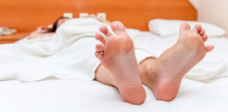 10 Helpful Tips For Sleeping With Sciatica | PainDoctor.com