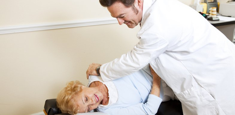Should You Visit A Chiropractor For Hip Pain? | PainDoctor.com