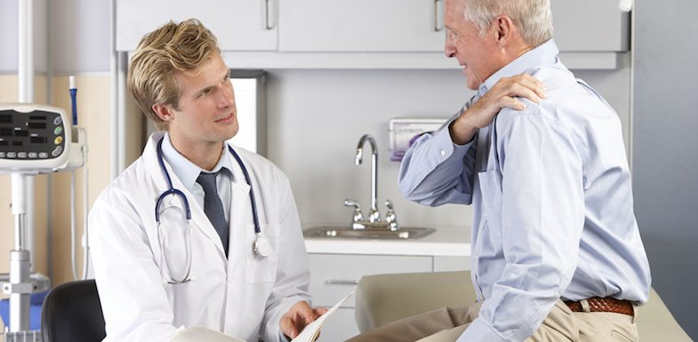 What's Causing My Shoulder Blade Pain? 15 Causes | PainDoctor.com