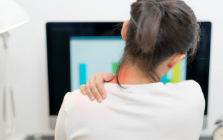 9 Common Upper Back Pain Causes, And How To Treat Them | PainDoctor.com