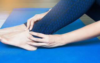 Pain On Top of Foot: Potential Causes and Solutions | PainDoctor.com