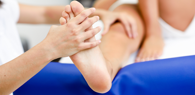 Can Acupuncture For Foot Pain Help Me? | PainDoctor.com